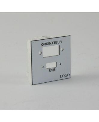 Plastron 45 avec 1 empreinte de HD15 et 1 empreinte de USB A
